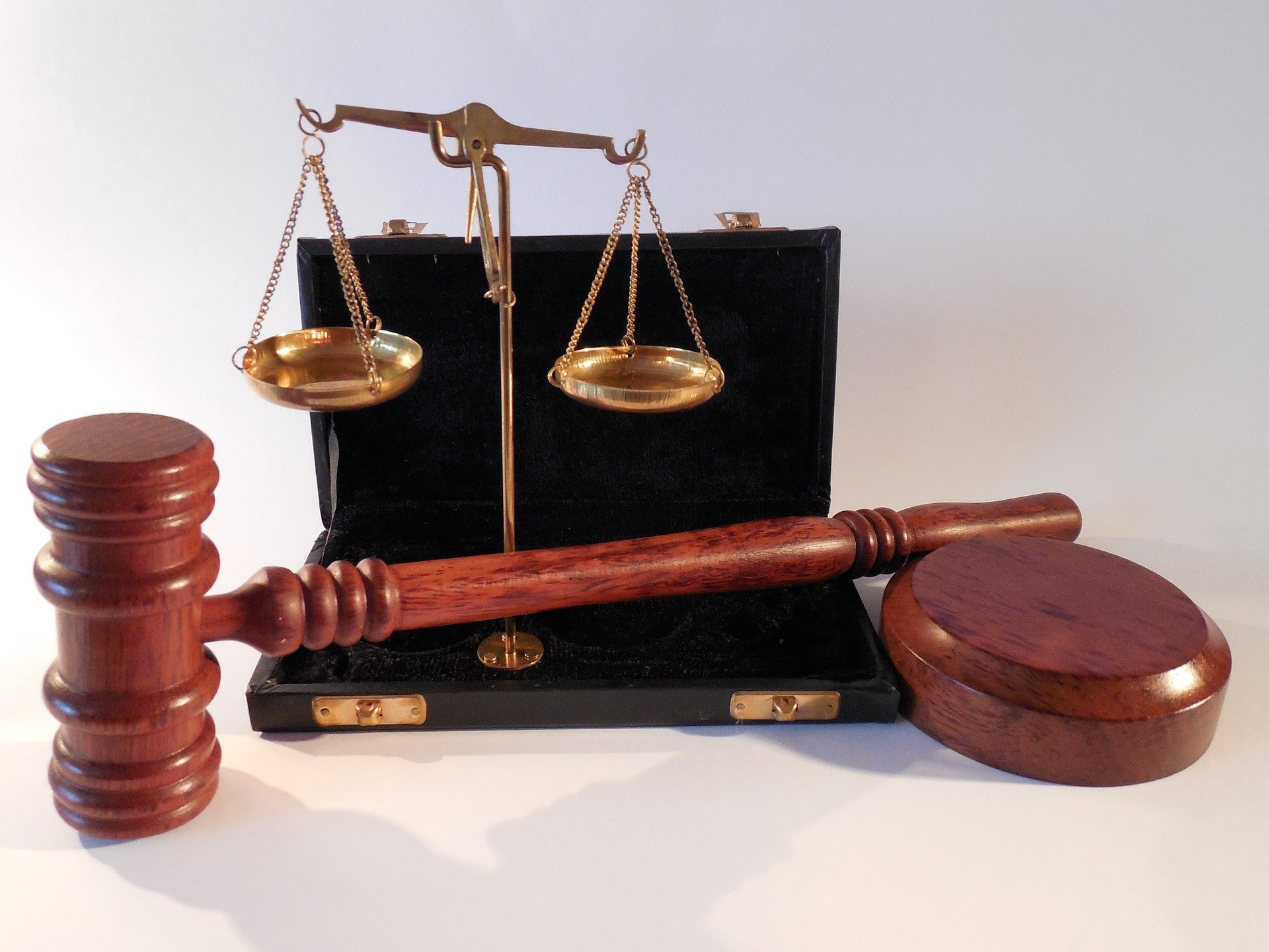 Photo of a set of scales and a gavel
